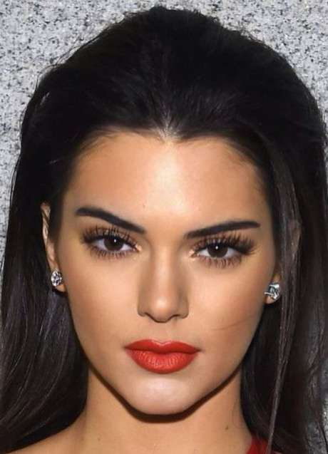 Kendall Jenner's face