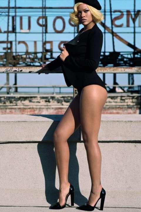 Rihanna's legs